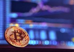 Wie hängen die Kurse von Bitcoin mit den Aussagen von Google Trends zusammen? (Foto: André François McKenzie/Unsplash).